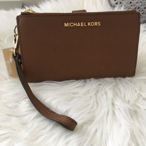 Michael Kors Double Zipper wallet